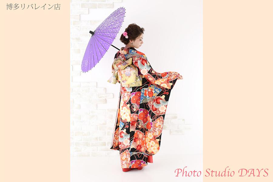 和傘と振袖での成人式前撮り